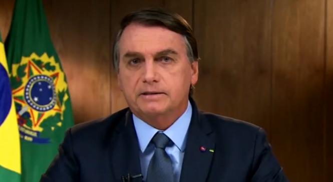 """Bolsonaro diz na ONU que pagou """"auxílio de mil dólares"""""""