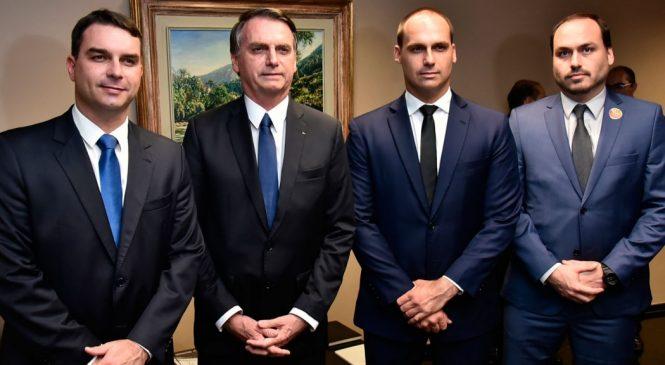 Folha: Bolsonaros usaram dinheiro vivo para sustentar campanhas eleitorais