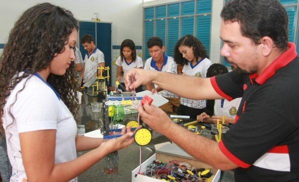Trinta escolas estaduais de Alagoas superam média nacional do IDEB no ensino médio