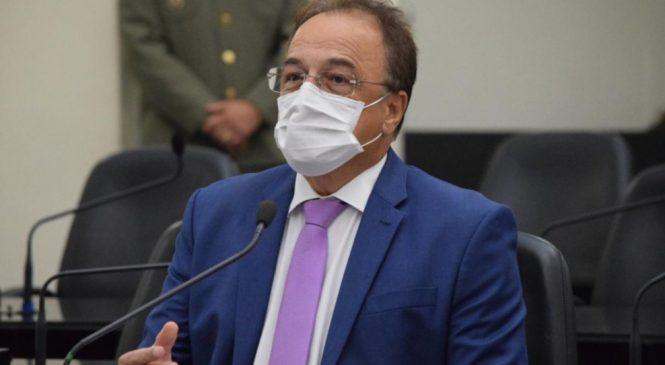 Galba Novaes critica projeto que reconhece estado de calamidade pública em Maceió