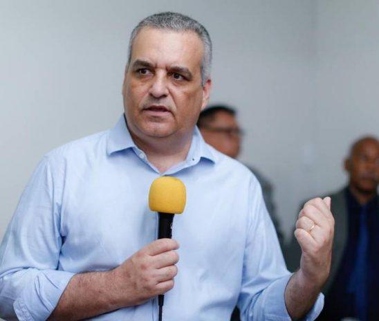 Alfredo demite marqueteiro e contrata o pernambucano Ricardo Melo e baiana Renata Melo
