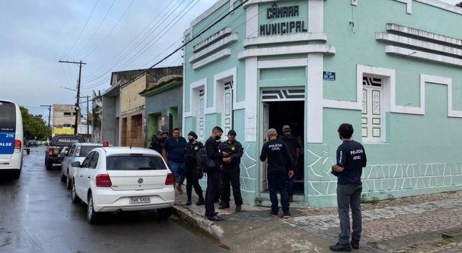 Vereadores e servidores são presos acusados de desviar verba em Alagoas