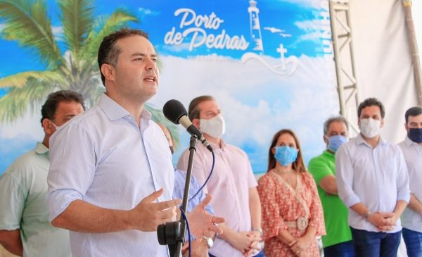 Renan Filho assinou ordem de serviço para construção de ponte em Porto de Pedras