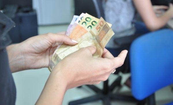 Governo de Alagoas libera segunda faixa salarial nesta quarta