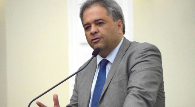 Silvio Camelo questiona aumento no valor dos planos de saúde de servidores públicos