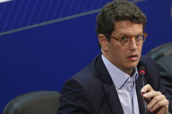 MPF pede afastamento imediato do ministro Ricardo Sales