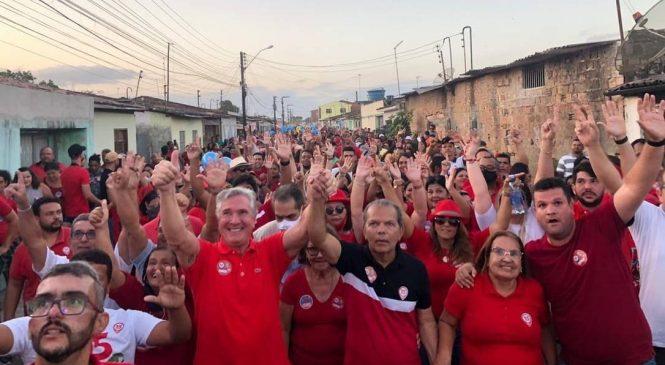 Collor nas aglomerações de ruas ignora regras sanitárias da Covid-19