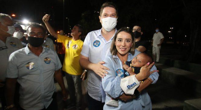 No Prado, Davi Davino Filho anuncia auxílio-creche