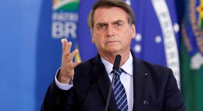 Em 24h, Bolsonaro usa suicídio contra vacina, chama brasileiros de maricas e ameaça guerra com os EUA