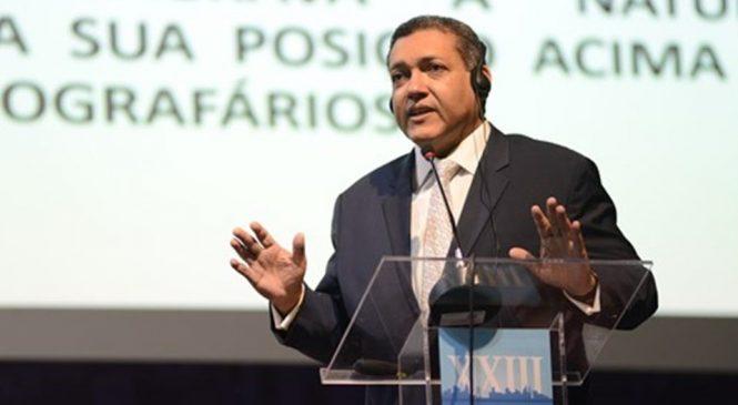 Indicado de Bolsonaro ao STF admitiu que não fez pós na Espanha