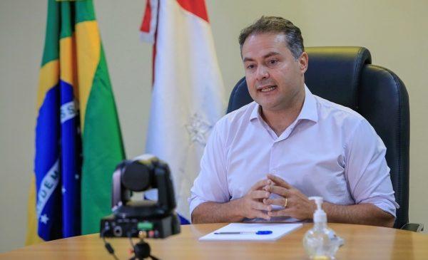 Renan Filho parabeniza Davi e diz que ele sai da campanha maior do que entrou