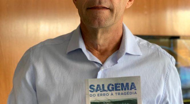 Joaldo Cavalcante lança livro reportagem 'Salgema: Do erro à Tragédia'
