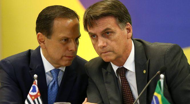 "Bolsonaro diz que ""ganhou"" de Doria após Anvisa suspender Coronavac"