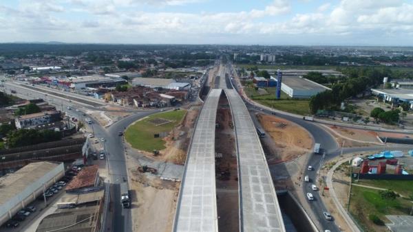 Com obras em fase final, começa a pavimentação do Viaduto da PRF em Maceió