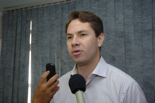 Pedro Vilela comemora inclusão de trabalhadores da educação na prioridade da vacinação