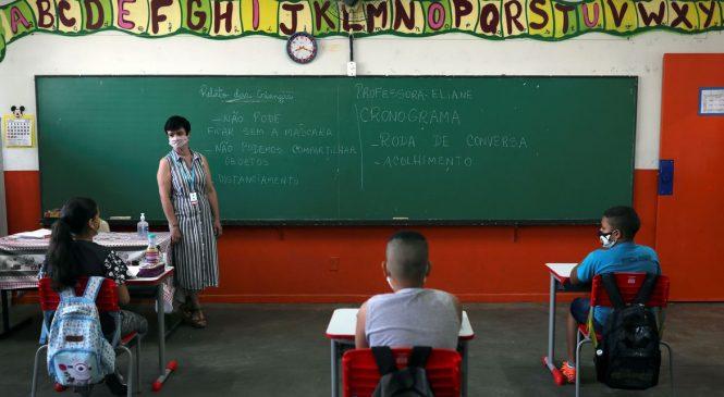 Covid: Maioria da bancada alagoana votou pela volta das aulas presenciais