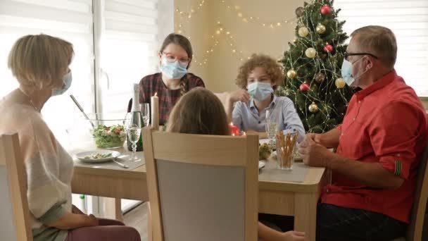 Natal na pandemia: Como reunir a família com segurança em tempos de covid-19