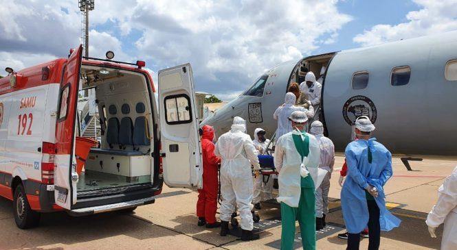 Alagoas recebe 18 pacientes com Covid-19 vindos de Manaus