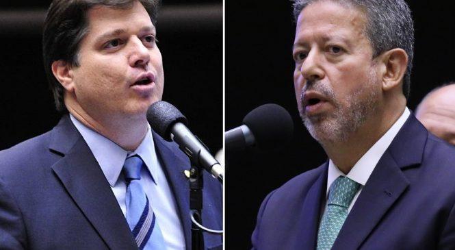 Deputados do DEM traem Rodrigo Maia e Bolsonaro demite apadrinhados de aliados de Baleia Rossi