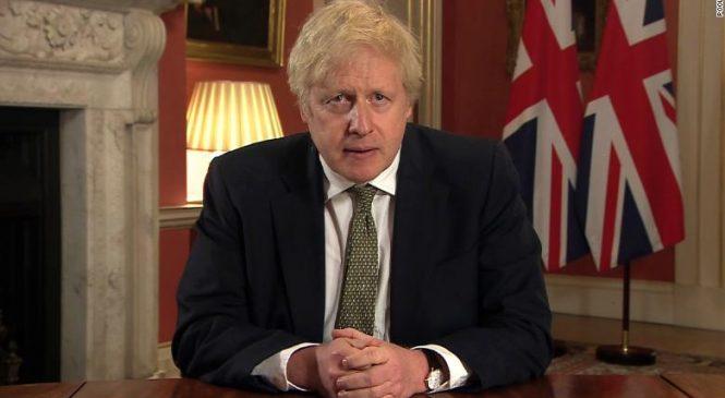 Britânicos precisam ficar em casa com início do terceiro lockdown no país