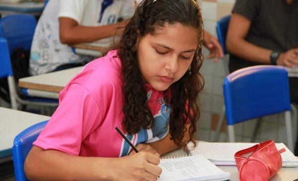 Começou o prazo para renovação e transferência interna na rede estadual de ensino