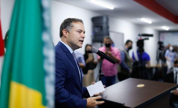 Renan Filho convoca reunião com prefeito JHC e secretários de saúde para definição de Plano de Vacinação