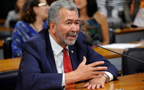 Paulão alerta professores para votação de projeto das aulas presenciais hoje no Senado