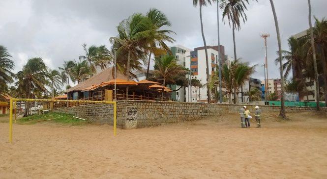 Mataram morador de rua e enterraram corpo na praia de Jatiúca