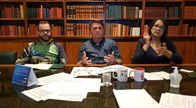 Em live, Bolsonaro sugere engolir o choro, focar na economia e tomar cloroquina