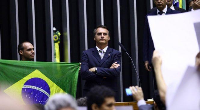 Pauta bomba: Bolsonaro ameaça governadores com povo armado pelo Brasil