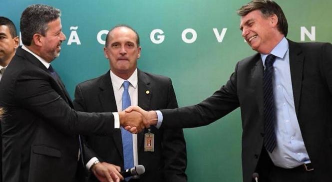 Arthur Lira é eleito presidente da Câmara e Bolsonaro conquista vitória no Congresso