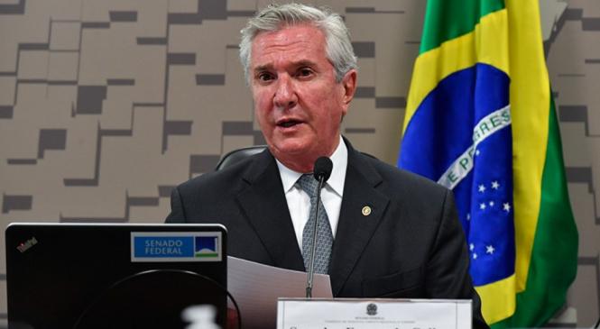 Collor vai comandar Comissão de Turismo no Senado e terá Flávio Bolsonaro como vice