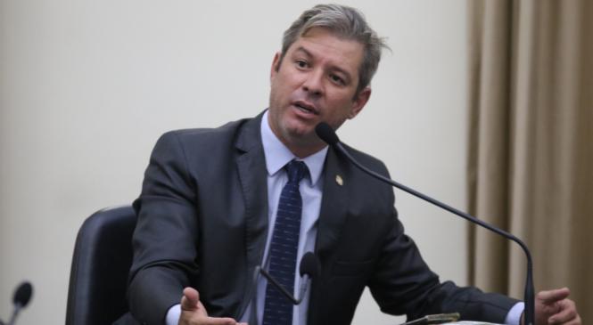Cabo Bebeto avalia como demagógico discurso do governador Renan Filho na ALE