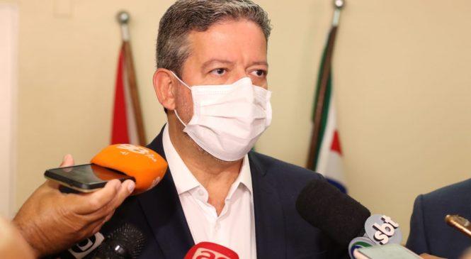 Lira marca reunião com governadores para contornar sabotagem e indiferença de Bolsonaro na pandemia