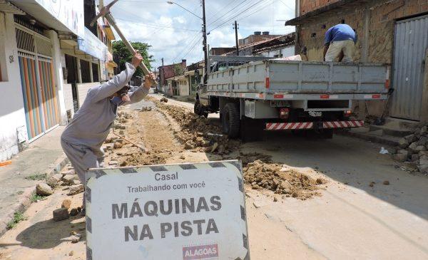 Casal investe R$ 7,3 milhões para melhorar abastecimento do Jacintinho