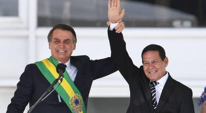 TSE rejeita cassação da chapa Bolsonaro/Mourão por suposto disparo de mensagens nas eleições