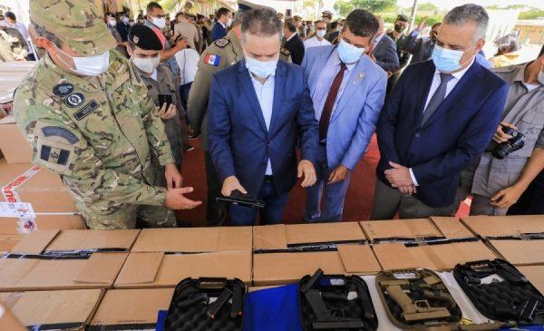 Governo entrega novas viaturas blindadas e armamentos para Polícia Civil de Alagoas