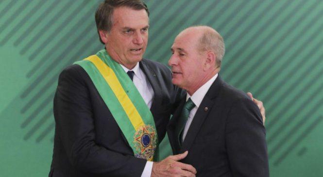 Às vésperas de aniversário do golpe militar, Bolsonaro demite ministro da Defesa