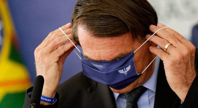 Mais de um ano e 300 mil mortes depois, Bolsonaro anuncia comitê anticovid