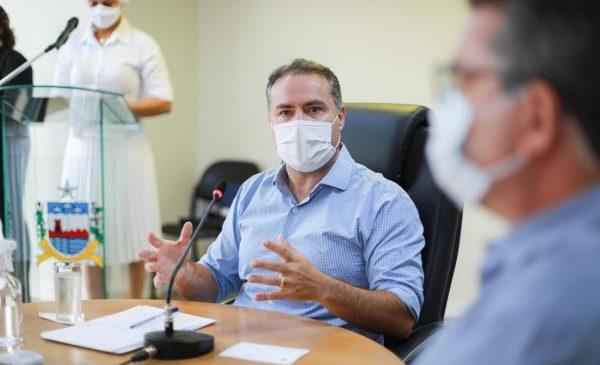 Com disparada nas internações em UTIs de Alagoas, Renan Filho se reúne com equipe