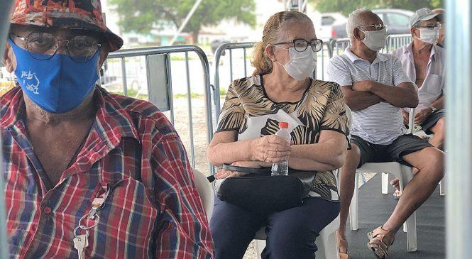 Maceió vai vacinar pessoas com mais de 77 anos a partir desta quarta-feira