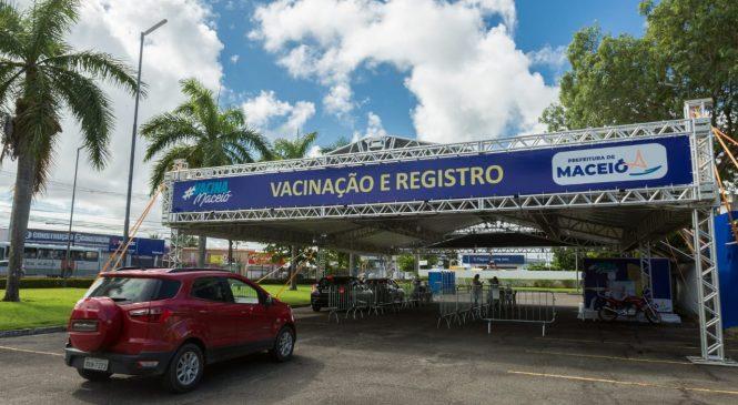 Maceió passa a vacinar pessoas com deficiência que têm mais de 40 anos