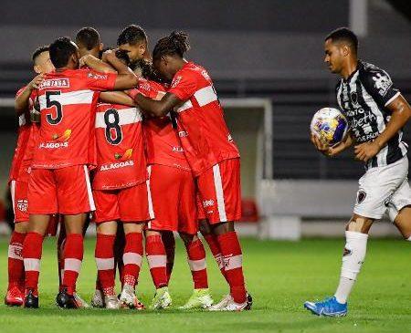 CRB vence Botafogo e assume vice-liderança da Copa do Nordeste