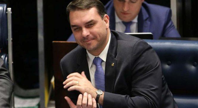 Decisão do STJ que beneficiou Flávio pode livrar outros da família Bolsonaro