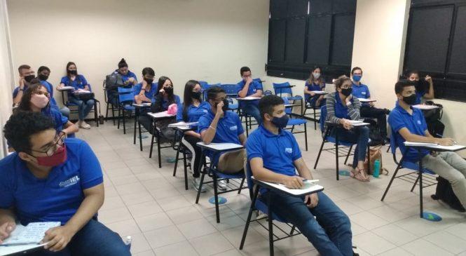 IEL ajuda empresas alagoanas a qualificar jovens aprendizes