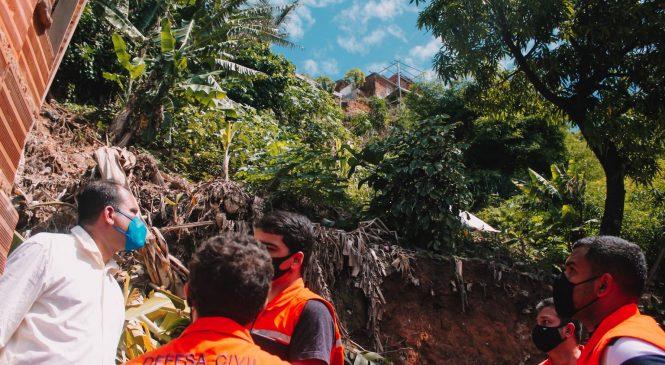 Em dois dias, Defesa Civil cadastra mais de 80 famílias nas áreas de risco em Maceió