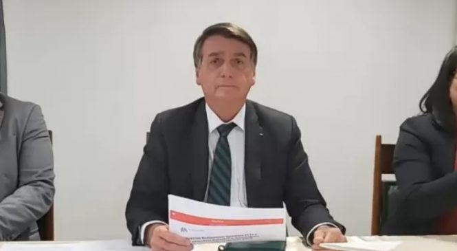 Bolsonaro mentiu em sua live semanal. De novo