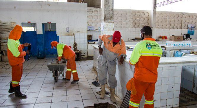Mercado do Jacintinho recebe primeiro mutirão mensal de limpeza nesta segunda