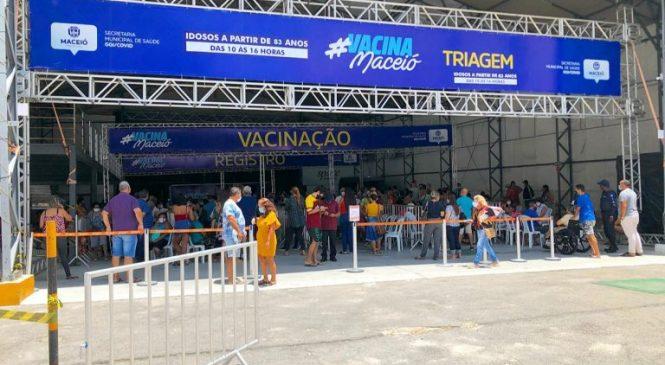 Prefeitura convoca quase 4 mil pessoas para tomar 2ª dose da vacina contra Covid-19