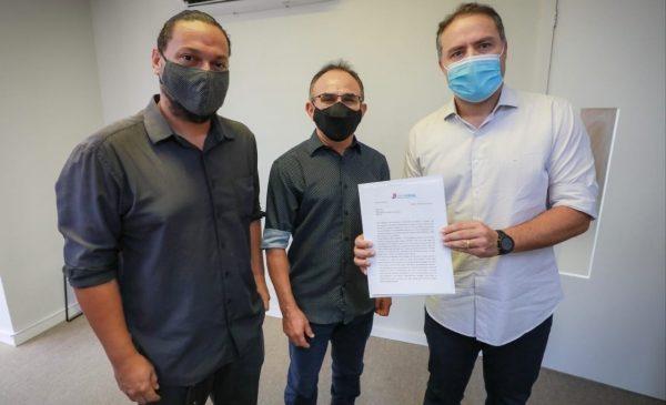 Renan Filho garante professores e jornalistas em grupos prioritários para vacinação